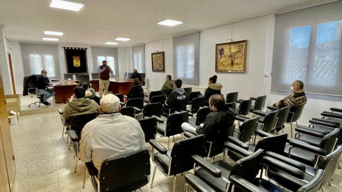 Ayer lunes arrancó en Saldaña un nuevo Programa Mixto de formación y empleo destinado a la rehabilitación y regeneración del Parque Público Javier Cortes, después de los importantes daños sufridos tras las fuertes riadas del pasado año 2019, con el nombre de