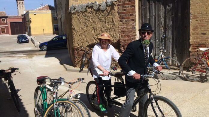 Encuentro de Bicicletas Clásicas en Paredes de Nava